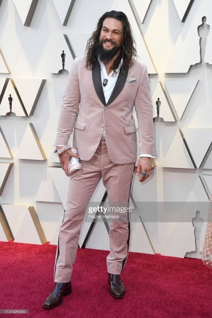 Jason Momoa in pink suit at the Academy Awards