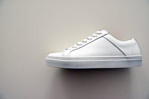 Clean white shoe